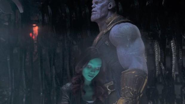 5 lần Marvel để lộ lỗi sai quá nghiệp dư: Chiếc khiên bí ẩn của Đội trưởng Mỹ có đáng sợ bằng bóng người lạ ở Doctor Strange? - Ảnh 3.