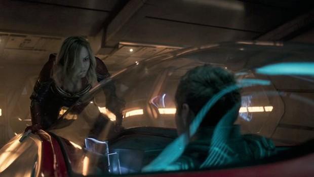 5 lần Marvel để lộ lỗi sai quá nghiệp dư: Chiếc khiên bí ẩn của Đội trưởng Mỹ có đáng sợ bằng bóng người lạ ở Doctor Strange? - Ảnh 4.