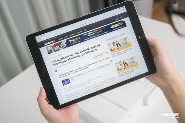 Trên tay iPad 9 tại VN: Thiết kế lỗi thời nhưng vẫn sẽ bán rất chạy! - Ảnh 5.