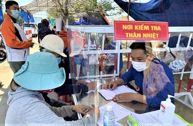 Quảng Nam cho phép những ai được về từ Đà Nẵng và phải cách ly như thế nào? - Ảnh 1.