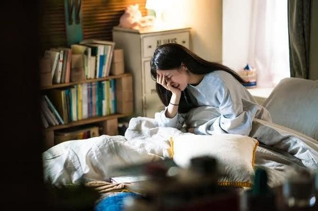 4 thói quen gây rối loạn kinh nguyệt và đau bụng kinh nghiêm trọng nhưng nhiều chị em trẻ vẫn làm mỗi ngày - Ảnh 3.