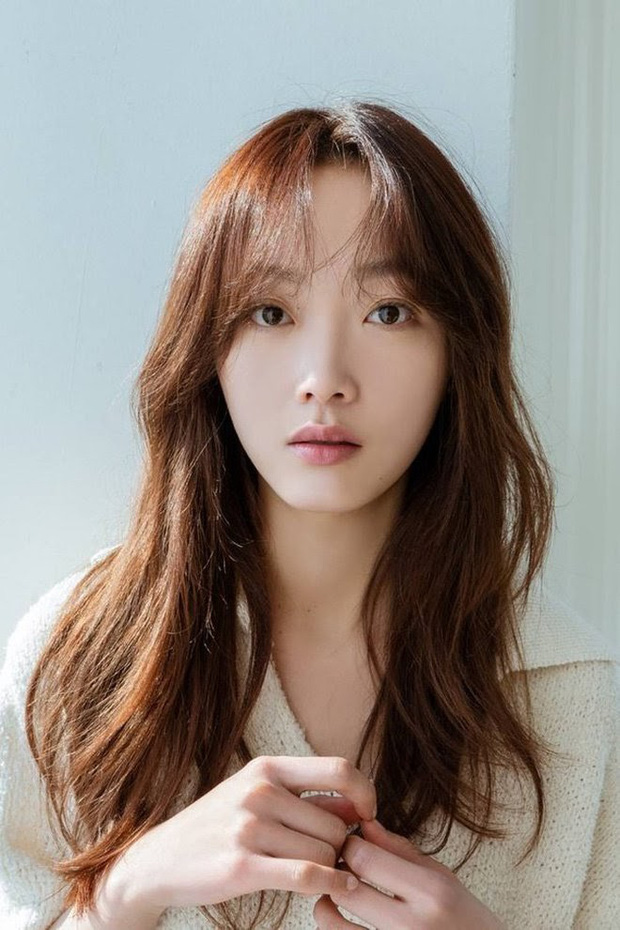 5 diễn viên Hàn chật vật nhiều năm mới nổi tiếng: Kim Seon Ho, Shin Hye Sun chưa khổ bằng bé đẹp Squid Game - Ảnh 11.