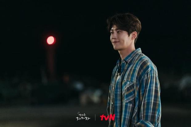 5 diễn viên Hàn chật vật nhiều năm mới nổi tiếng: Kim Seon Ho, Shin Hye Sun chưa khổ bằng bé đẹp Squid Game - Ảnh 3.
