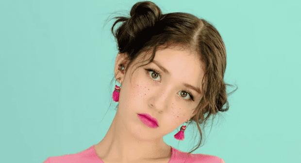 Idol Kpop và người mẫu khác nhau thế nào, nhìn cách họ họa mặt tàn nhang là rõ - Ảnh 7.