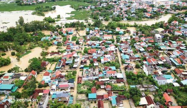 Cận cảnh hơn 3.000 hộ dân ở Nghệ An vẫn bì bõm trong lũ - Ảnh 1.