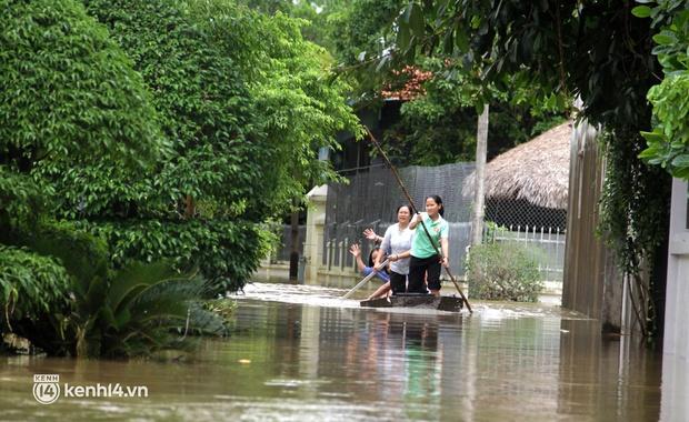 Cận cảnh hơn 3.000 hộ dân ở Nghệ An vẫn bì bõm trong lũ - Ảnh 4.