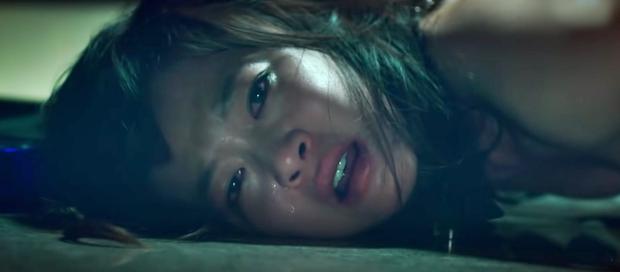 Nữ diễn viên tự tử vì bị ép làm công cụ tình dục cho các ông lớn: Bộ phim khiến khán giả phẫn uất vì cái kết dành cho những kẻ bệnh hoạn - Ảnh 5.