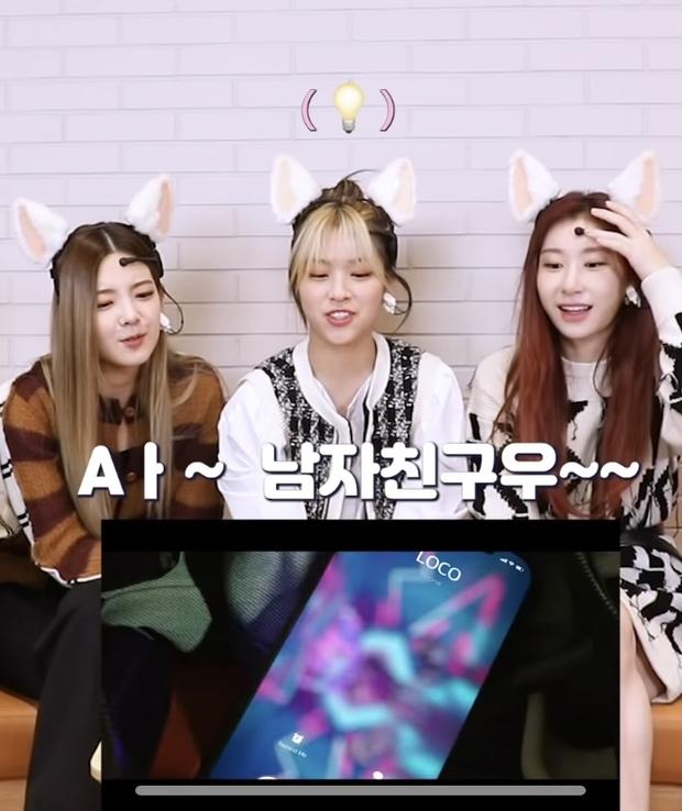 Lâu lắm rồi mới có idol Kpop đình đám tự để lộ bằng chứng hẹn hò vì... lỡ lời, cặp đôi mới của JYP và SM hay gì đây? - Ảnh 2.