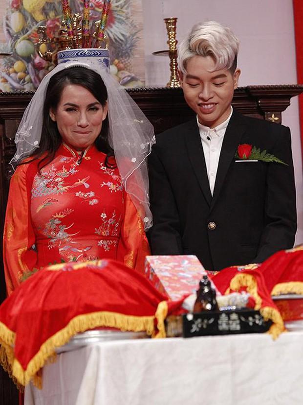 Lần duy nhất Phi Nhung mặc áo cưới là với chú rể kém 24 tuổi, có cả sự chứng kiến của NSƯT Hoài Linh! - Ảnh 2.