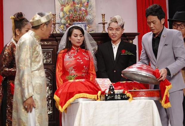 Lần duy nhất Phi Nhung mặc áo cưới là với chú rể kém 24 tuổi, có cả sự chứng kiến của NSƯT Hoài Linh! - Ảnh 3.