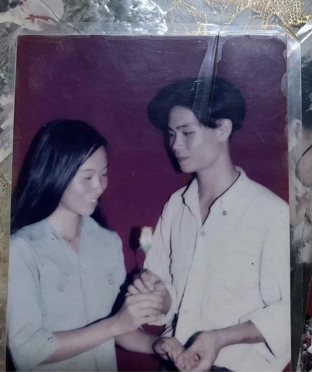 Con gái khoe ảnh bố 20 năm trước, điển trai lãng tử cùng lá thư tay tán gái khiến thanh niên ngày nay phải nể - Ảnh 1.