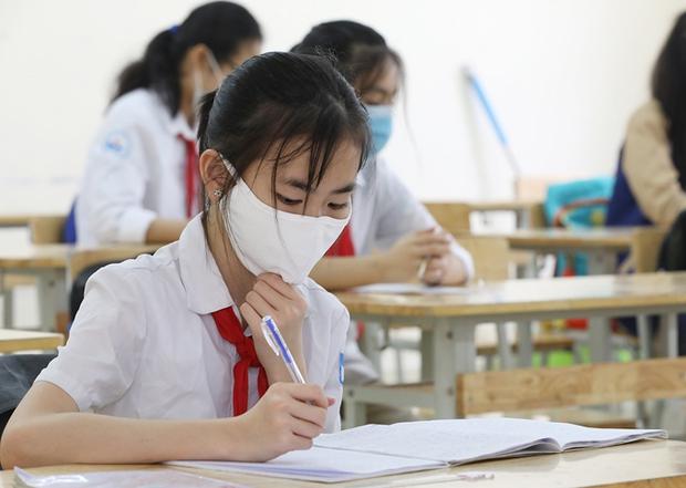 Khi nào Hà Nội có thể cho học sinh quay trở lại trường? - Ảnh 1.