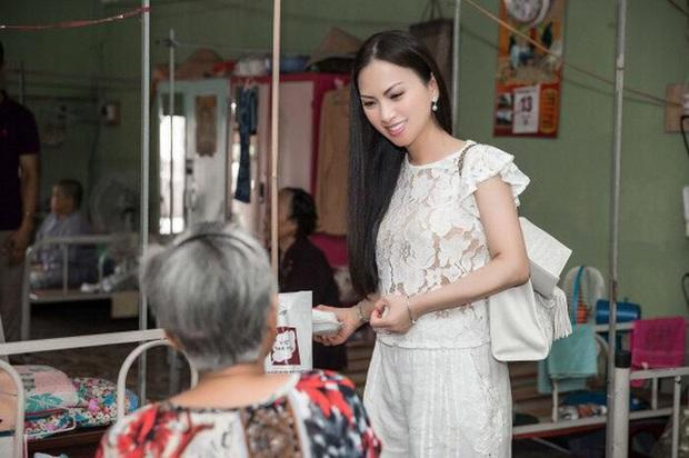 Em gái tỷ phú của Cẩm Ly tiếp tục tặng hàng trăm tấn lương thực và tiền mặt cho bà con 3 tỉnh thành phố, khẳng định không kêu gọi quyên góp - Ảnh 8.