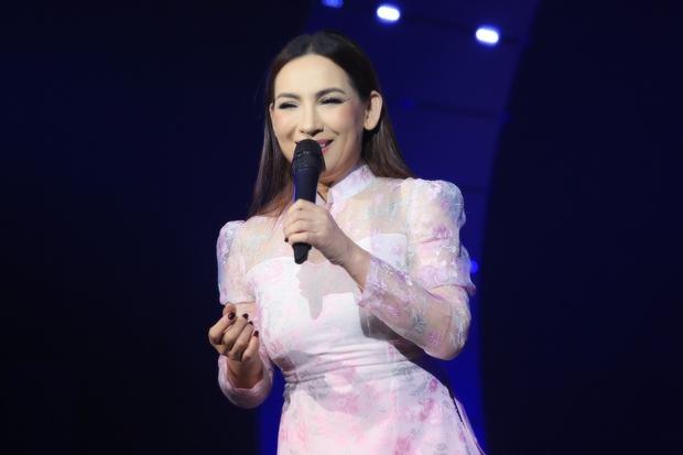 Netizen truyền tay clip Phi Nhung từng đóng phim cổ trang Hoa ngữ 10 năm trước, còn hát OST 100% tiếng Hoa - Ảnh 1.