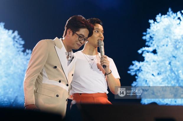 Giáo viên thanh nhạc Hàn Quốc trợn tròn với màn song ca của 2 nam ca sĩ Vpop, khẳng định là ông hoàng ballad - Ảnh 9.