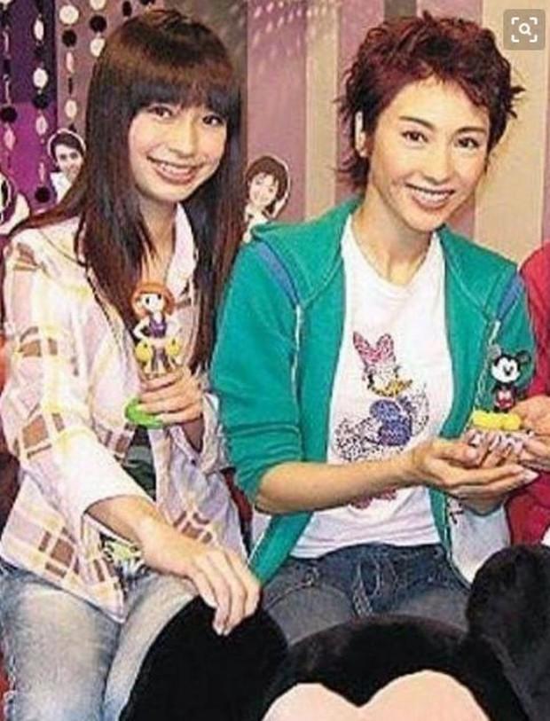 Chụp chung khung hình với Lê Tư, nhan sắc Angela Baby bị lu mờ hoàn toàn trước đệ nhất mỹ nhân TVB nức tiếng - Ảnh 3.