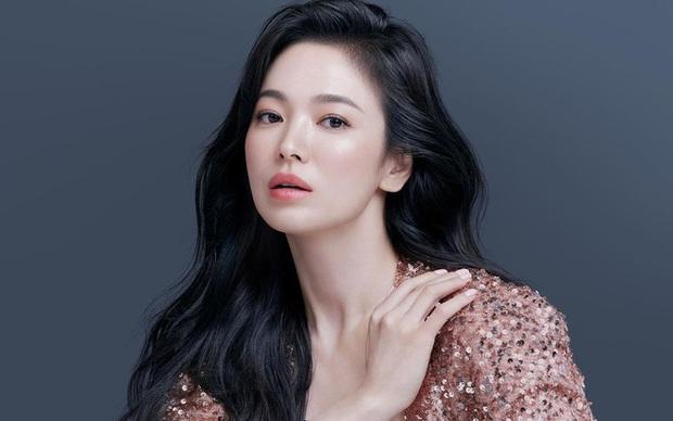 4 mỹ nữ phim Hàn là chúa lười thay đổi: Song Hye Kyo mãi vẫn sợ xấu, Park Bo Young không đóng nổi phản diện? - Ảnh 4.