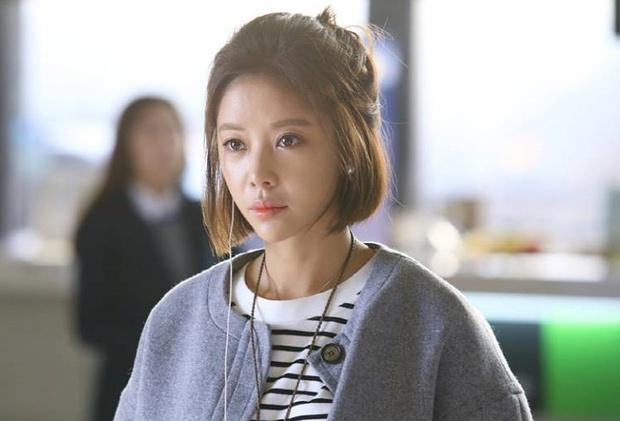4 mỹ nữ phim Hàn là chúa lười thay đổi: Song Hye Kyo mãi vẫn sợ xấu, Park Bo Young không đóng nổi phản diện? - Ảnh 2.
