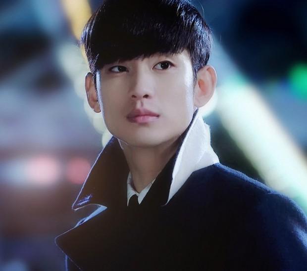4 vai diễn nhạt nhòa của sao Hàn đình đám: Kim Soo Hyun rập khuôn cụ giáo, Lee Min Ho diễn hoài một nét - Ảnh 2.