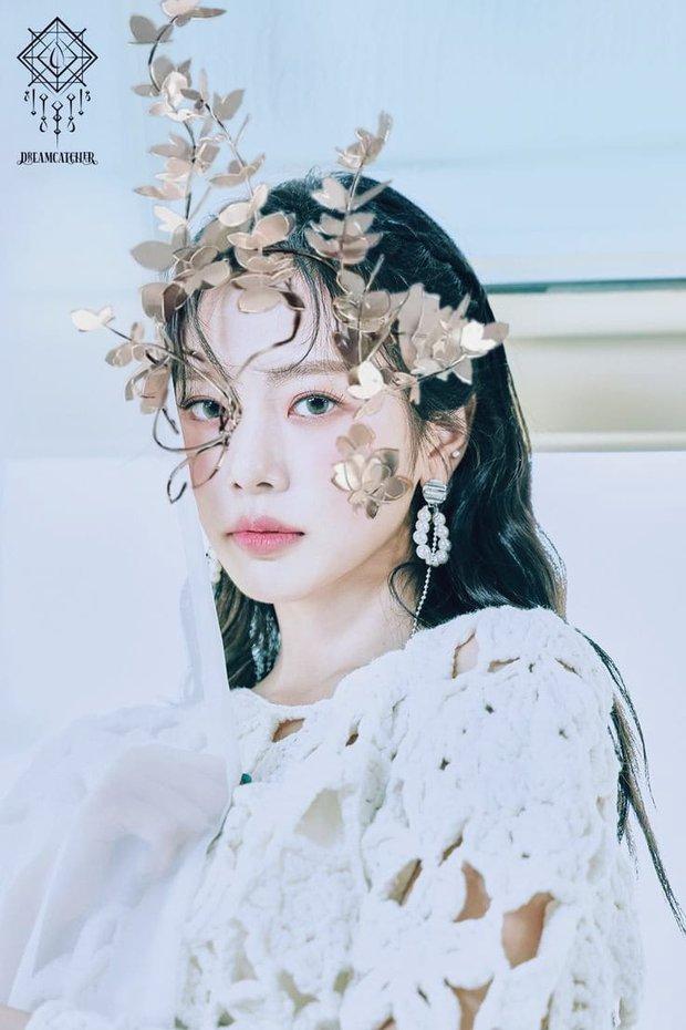 Sẽ thế nào khi các idol Kpop đu theo concept trong bộ ảnh mới của aespa? - Ảnh 7.