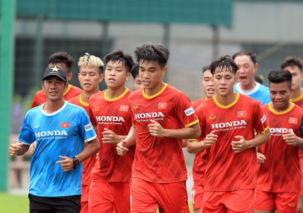 Cận kề ngày đấu tuyển Trung Quốc, HLV Park Hang-seo vẫn theo sát U22 Việt Nam - Ảnh 2.