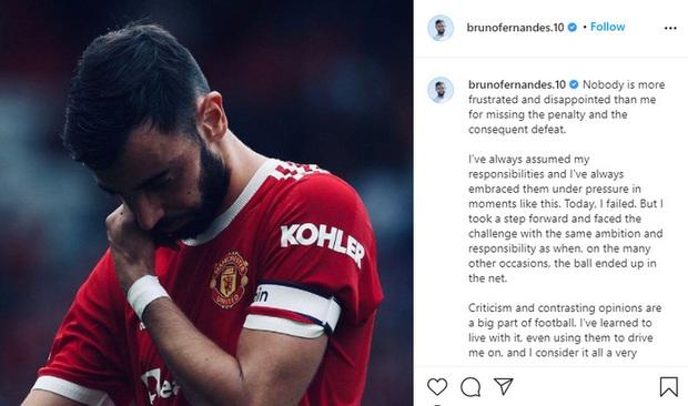 Đồng đội Ronaldo bị huyền thoại MU mắng té tát vì lên mạng viết lời xin lỗi dài như tờ sớ - Ảnh 2.