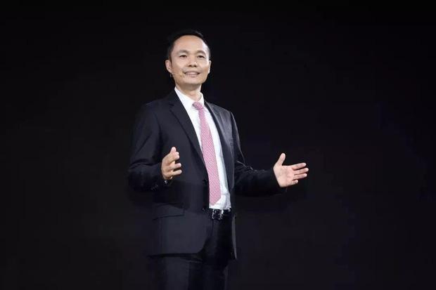 """Từ đứa trẻ miền núi trở thành CEO của thương hiệu smartphone bán chạy nhất Trung Quốc: """"Danh sư xuất cao đồ"""", biết tự nhận thức về bản thân là bí quyết để thành công - Ảnh 3."""