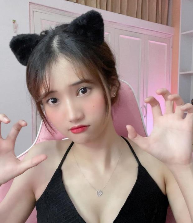Bị fan nam bình luận xúc phạm vấn đề nhạy cảm, nữ streamer Mei Mei đáp trả liên tục trong vòng gần 1 phút - Ảnh 4.