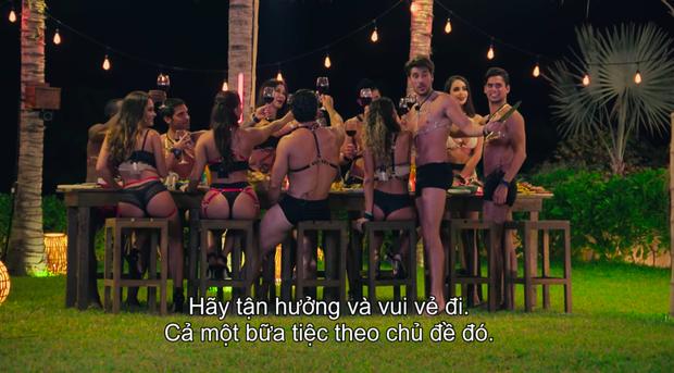 Đỏ mặt với bữa tiệc nướng 18+ tại trại kiêng sex Latin: Có đủ ghế tình yêu, roi da, còng tay - Ảnh 4.