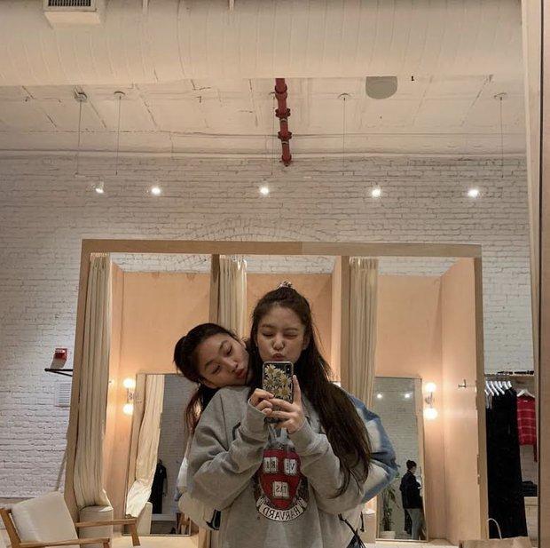 Jennie đến tận phim trường và lộ quan hệ thật với nữ chính Squid Game, nhưng mối liên hệ với Lee Jung Jae còn gây tò mò hơn - Ảnh 5.