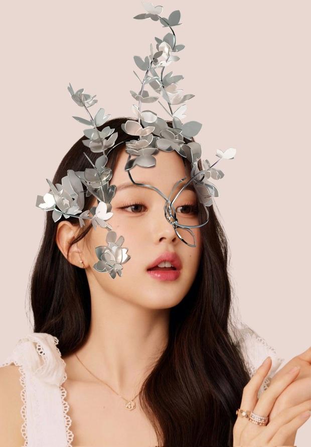 Concept mặt nạ hoa lá của aespa mà rơi vào tay nữ idol này thì cả nhóm bị diệt gọn, đến BLACKPINK cũng không đọ lại - Ảnh 7.