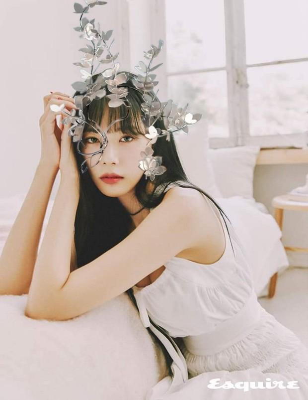 Concept mặt nạ hoa lá của aespa mà rơi vào tay nữ idol này thì cả nhóm bị diệt gọn, đến BLACKPINK cũng không đọ lại - Ảnh 11.