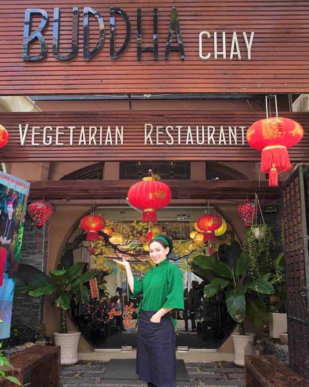 Tình hình nhà hàng chay của Phi Nhung hiện tại: Đóng cửa suốt 4 tháng vì dịch, nghe tâm nguyện hoạt động càng thán phục hơn - Ảnh 1.