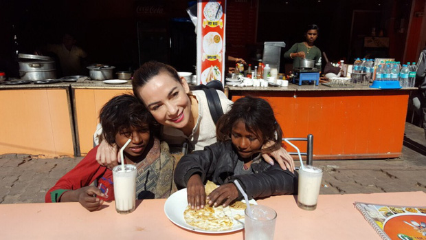 Chuyến du lịch đặc biệt nhất trong đời của Phi Nhung: Không resort 5 sao, chỉ có tình yêu thương và hành động đẹp làm khán giả nhớ mãi - Ảnh 5.