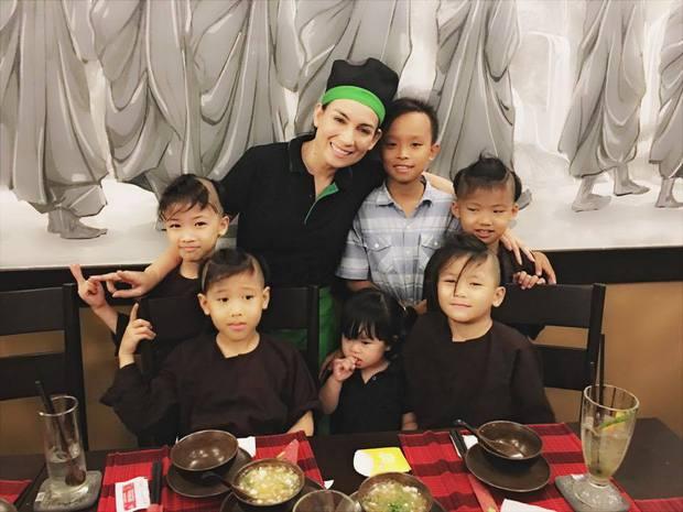 Những hình ảnh cuối cùng của Phi Nhung tại nhà hàng chay tâm huyết cả đời, nhiều khoảnh khắc khiến dân mạng cầm lòng không nổi - Ảnh 2.