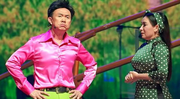 Netizen nghẹn ngào trước hình ảnh Phi Nhung bên cố NS Chí Tài lúc sinh thời: 2 vì sao sáng đã vụt tắt! - Ảnh 4.