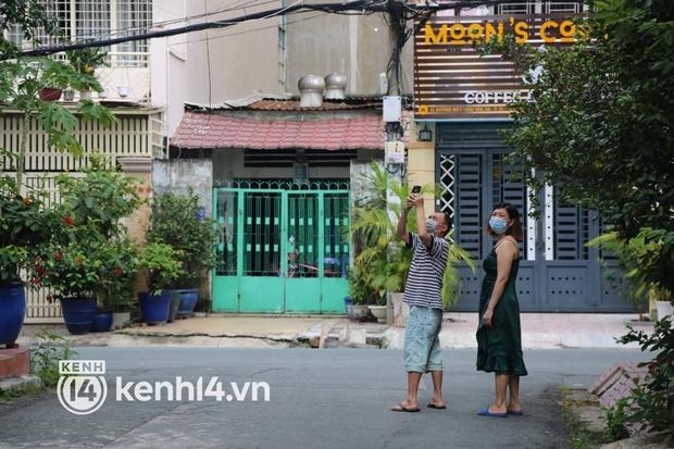 Biết tin Phi Nhung qua đời, hàng xóm bất ngờ, bật khóc tiếc thương nữ ca sĩ - Ảnh 5.