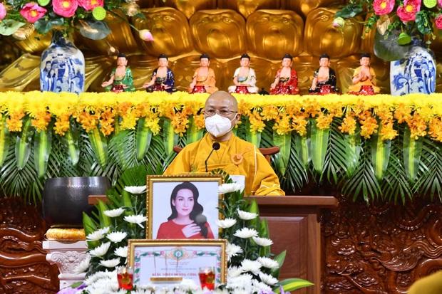 Ca sĩ Phi Nhung chưa tiêm vắc xin Covid-19 và lý do xúc động được tiết lộ trong lễ cầu siêu - Ảnh 3.