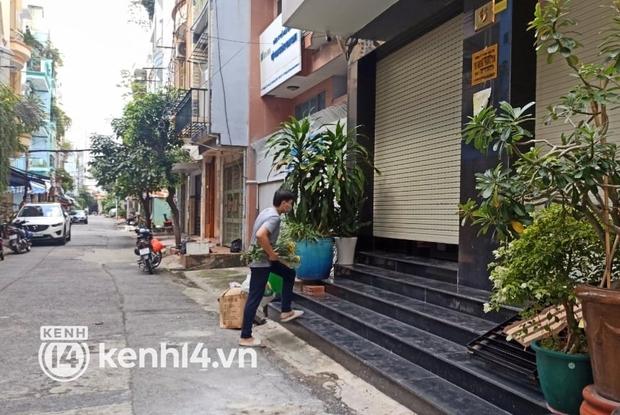 Biết tin Phi Nhung qua đời, hàng xóm bất ngờ, bật khóc tiếc thương nữ ca sĩ - Ảnh 6.