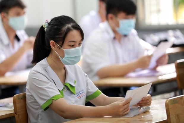 Tổ chức Kỳ thi tốt nghiệp THPT 2022 linh hoạt, thích ứng với tình hình dịch bệnh - Ảnh 1.