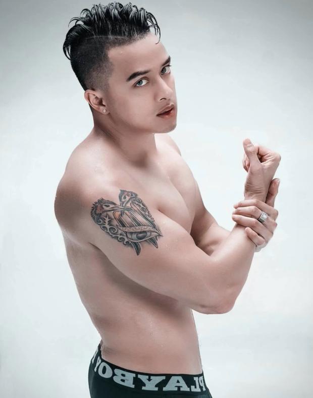Cao Thái Sơn tung ảnh mặc độc quần lót khoe body hừng hực, Minh Quân nhận xét 1 câu đọc mà đỏ mặt - Ảnh 5.