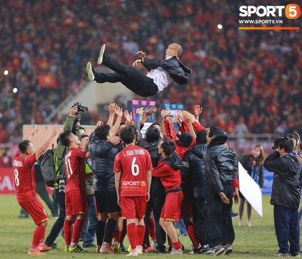 Thắng Thái Lan, Singapore đăng cai AFF Cup 2020 - Ảnh 1.