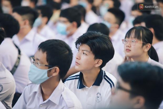 NÓNG: Trường đầu tiên của TP.HCM có thể được đi học lại từ 4/10 - Ảnh 1.
