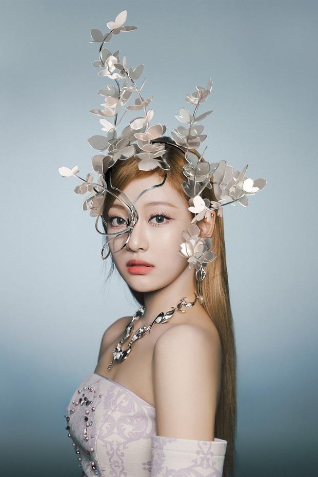 Concept mặt nạ hoa lá của aespa mà rơi vào tay nữ idol này thì cả nhóm bị diệt gọn, đến BLACKPINK cũng không đọ lại - Ảnh 4.