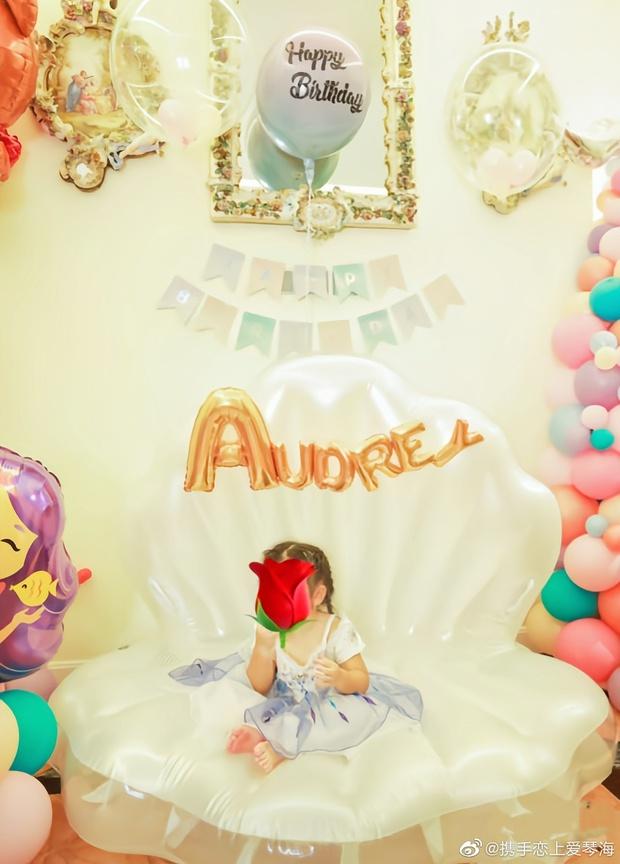 Ái nữ trùm sòng bạc Macau mở tiệc sinh nhật mừng con gái 2 tuổi bên chồng Harvard xịn, cơ ngơi 1500 tỷ chiếm spotlight - Ảnh 6.