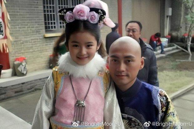 Sao nhí Bộ Bộ Kinh Tâm dậy thì gợi cảm đến sốc sau 10 năm, nhan sắc - sự nghiệp ra sao mà được ví như Lâm Thanh Hà Gen Z? - Ảnh 3.