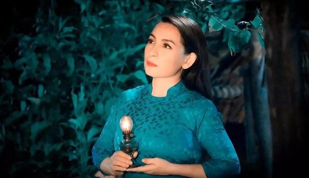 Netizen nghẹn ngào trước hình ảnh Phi Nhung bên cố NS Chí Tài lúc sinh thời: 2 vì sao sáng đã vụt tắt! - Ảnh 5.