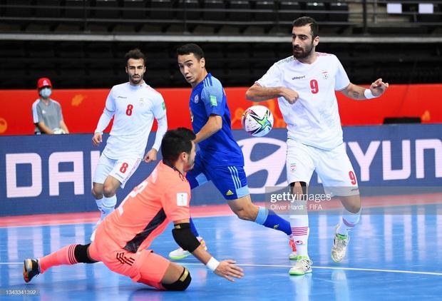 World Cup xuất hiện 2 màn lội ngược dòng khó tin, đại diện cuối cùng của châu Á dừng bước - Ảnh 4.