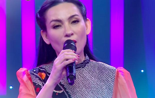 Netizen chua xót đào lại câu hát của Phi Nhung: Họ nói xong rồi họ có bao giờ sống thay mình đâu... - Ảnh 2.