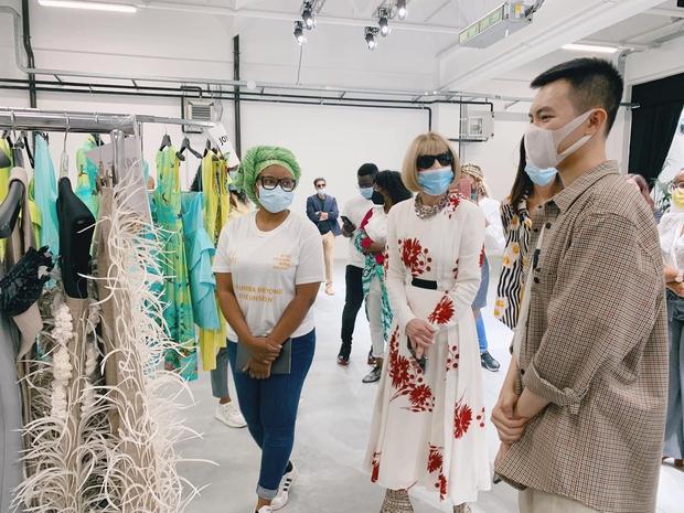 Hỏi chuyện NTK Việt được góp mặt tại Milan Fashion Week: Đến giờ vẫn chưa hết bồi hồi, tiết lộ thêm tính cách thật của 2 hung thần làng mốt - Ảnh 6.